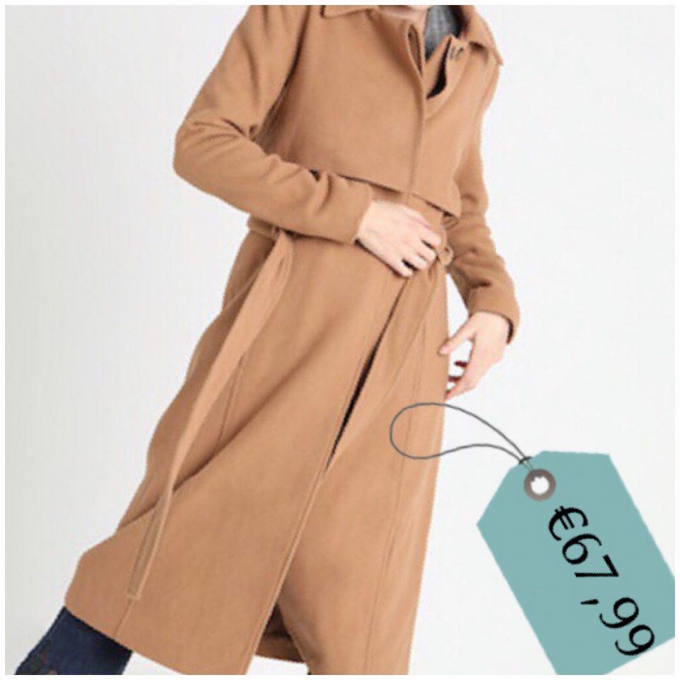 il cappotto a vestaglia cammello